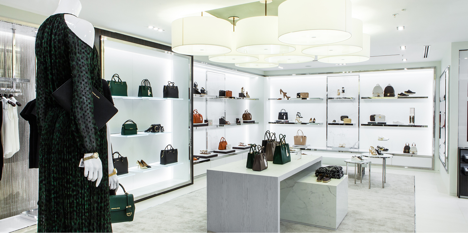 745cb34109dd3 VERSACE   Giorgio Armani   TIGER   Michael Kors   Burberry   Coach    Longchamp   Paul Smith   Versace Collection   Emporio Armani   Armani Jeans    Armani ...